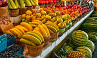 van-farmer-market-friut