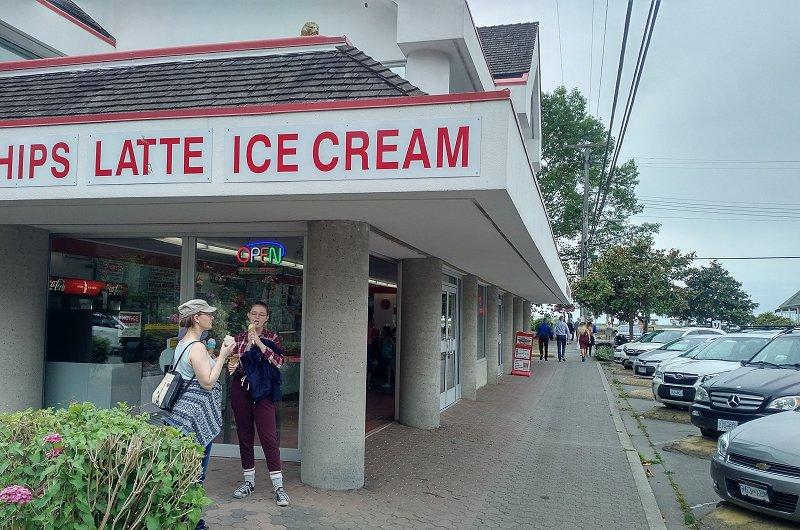 Crescent Beach 6 Ice Cream Shop
