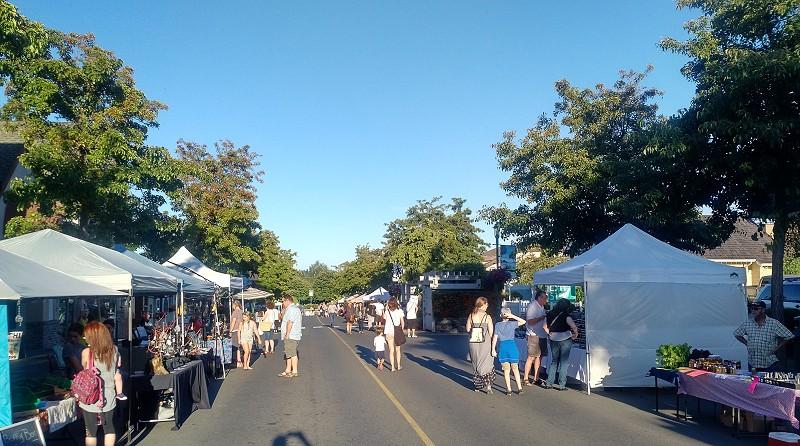 Qualicum Beach Street Market